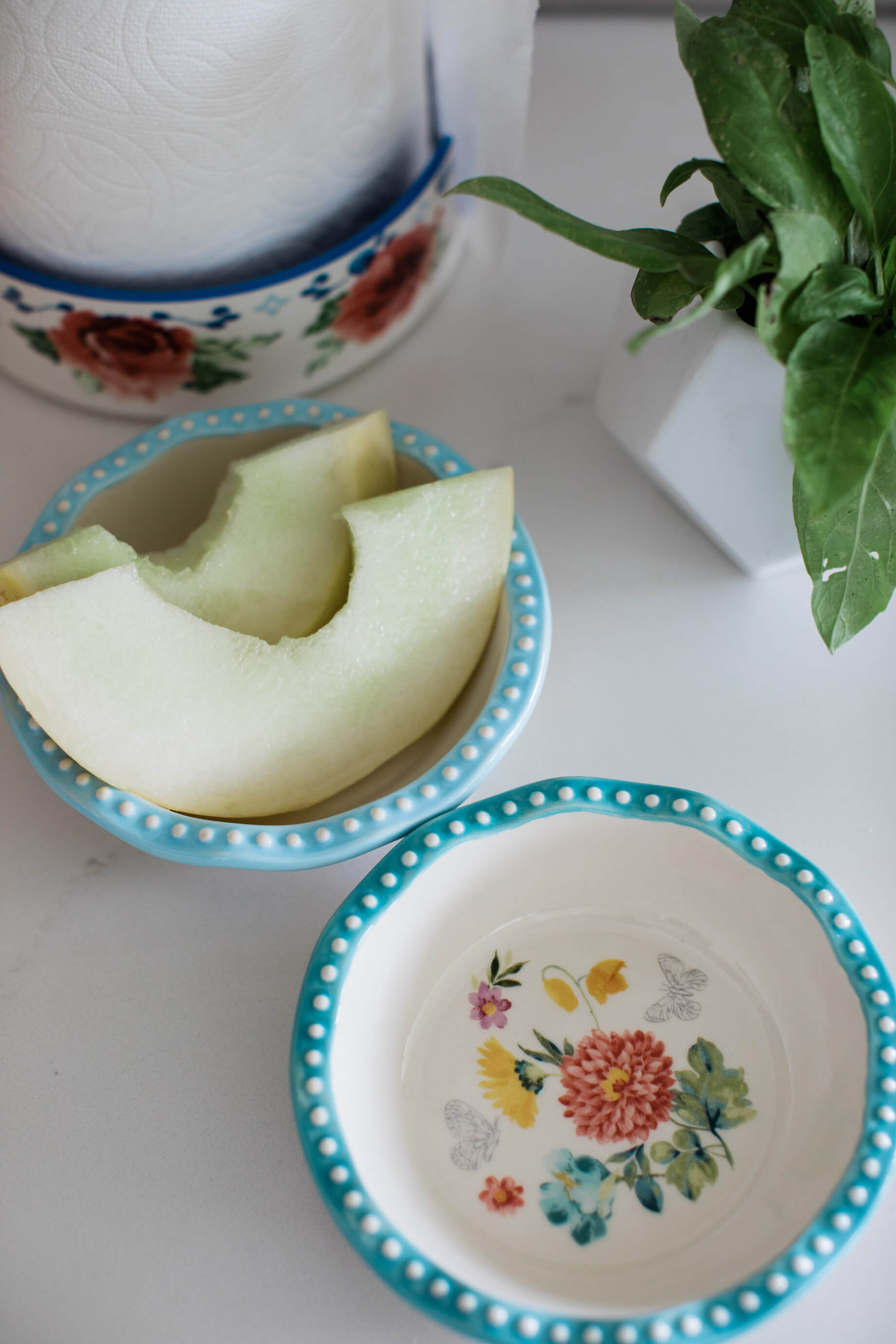 floral kitchen bowls that are perfect for breakfast or prep work - M Loves M @marmar