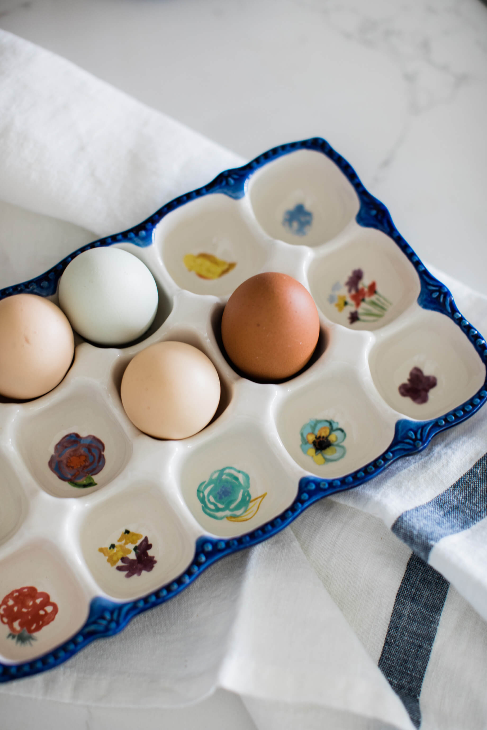 the cutest egg holder with a floral design - M Loves M @marmar