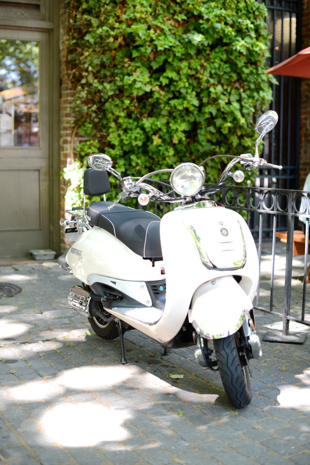 cute little vespa in seattle M Loves M @marmar