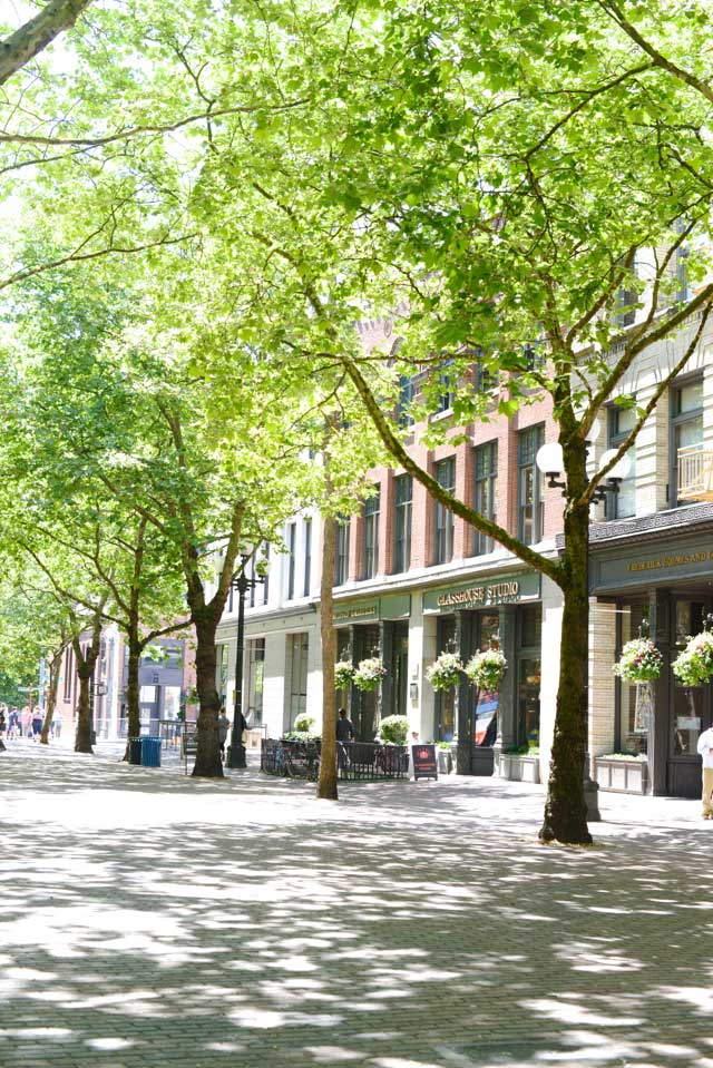 walking around pioneer square seattle M Loves M travel blogger @marmar