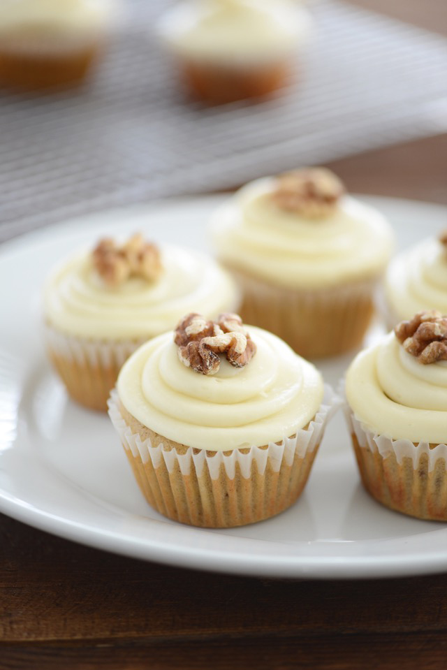 Delicious and flavorful Maple Walnut Cupcakes! Plus, it has the best maple cream cheese frosting!