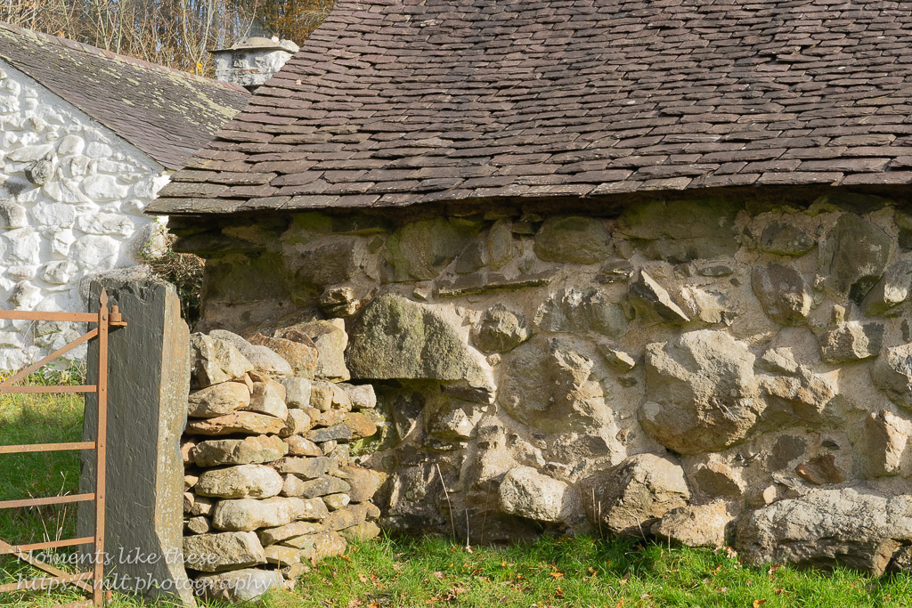 Textures in walls, St Fagans