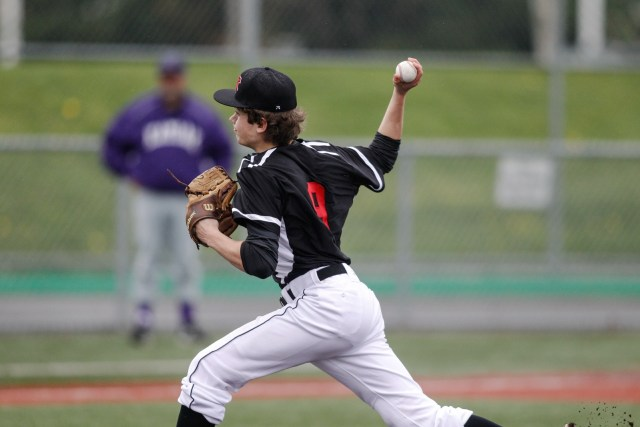 Ben Reijonen picked up the victory with five innings of shutout pitching.