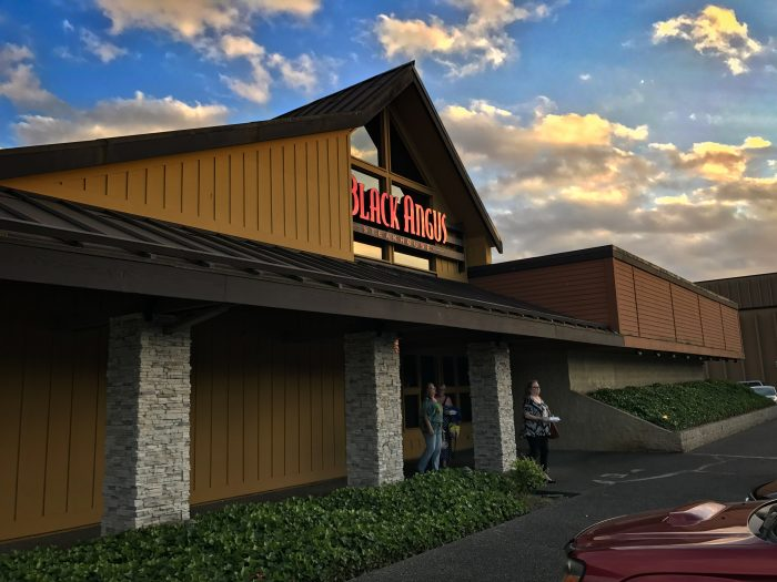 LYNNWOOD, Wash., May 19, /PRNewswire/ -- Black Angus Steakhouse, the original American steakhouse, announced today the imminent closure of the Lynnwood location at .
