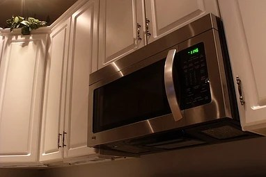the difference between microwaves and