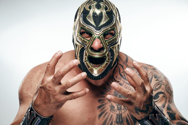 Muertes signs multi-year deal with MLW