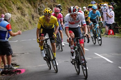 Rogli? and Poga?ar: Slovenian Cycling super-heroes