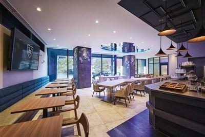 無論是在一天開始或結束之際,酒店賓客或當地居民均可在「CANVAS Lounge」這個愜意之地享用酒店提供的茶水和咖啡,以促進交流和溝通。