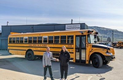 Left: Joel Landry, account manager, Western Canada Bus. Right: Robyn Stephenson, manager, Transportation Services, School District No. 22 – Vernon, British Columbia.