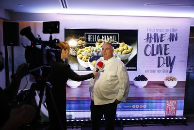 """Olives from Spain, the European Union and Michelin-Starred Chef José Andrés Showcase """"Have an Olive Day"""" in Miami (PRNewsfoto/Olives from Spain)"""