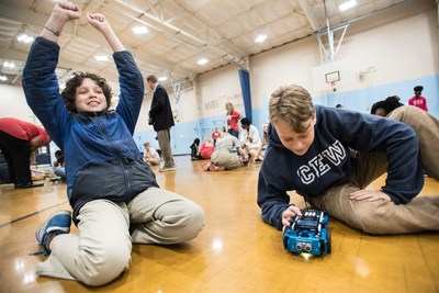 Throughout the summer, the STEM Squad from Texas Instruments is bringing fun, interactive and hands-on STEM lessons to kids across the country.