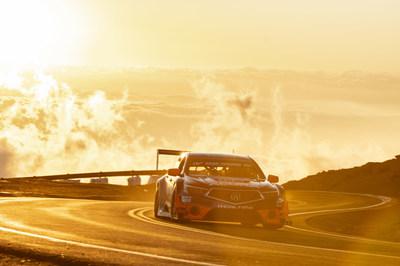 El Acura TLX GT logra victoria en la clase y tercer lugar en general mientras que Acura establece múltiples récords en la Subida de Montaña Internacional de Pikes Peak de 2018