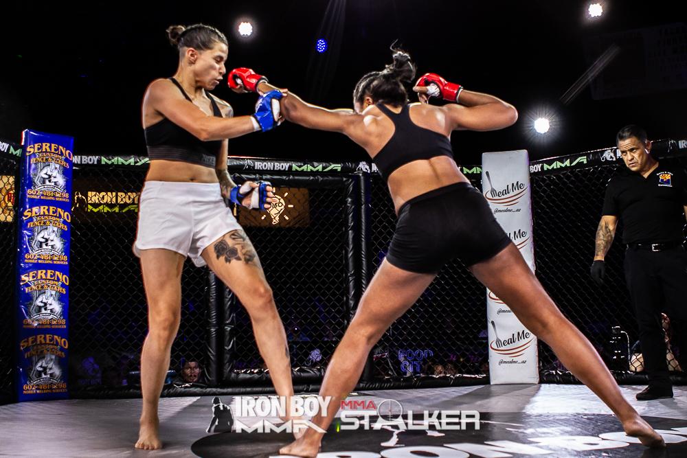 #8 Iron Boy MMA 16 - Amateur 130 lbs - Angelica Flores vs Shikera Lindsey-12