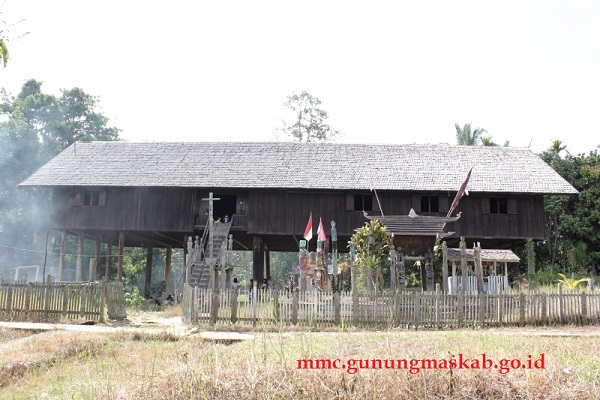 Sejarah Rapat Damai Suku Dayak di Tumbang Anoi Tahun 1894