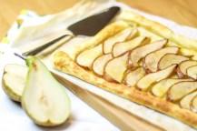 Tarta gruszkowa w sosie miodowo-imbirowym