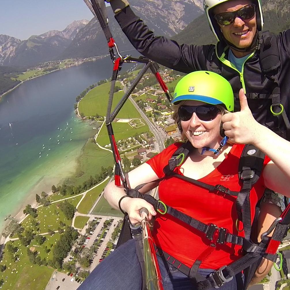 Österreich: Gleitschirmfliegen am Achensee