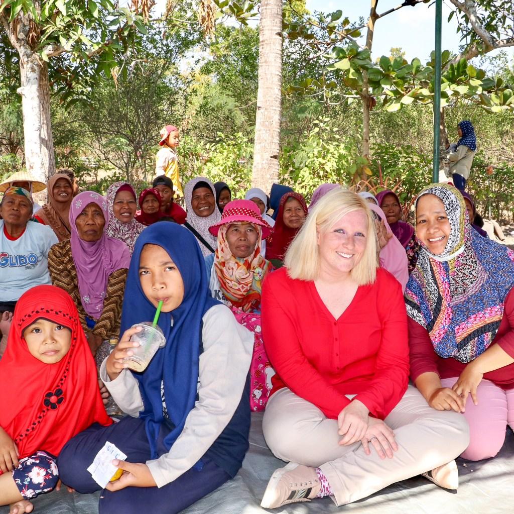 Menschen in Indonesien – u.a. Fahrradtour durch Dörfer und Reisfelder