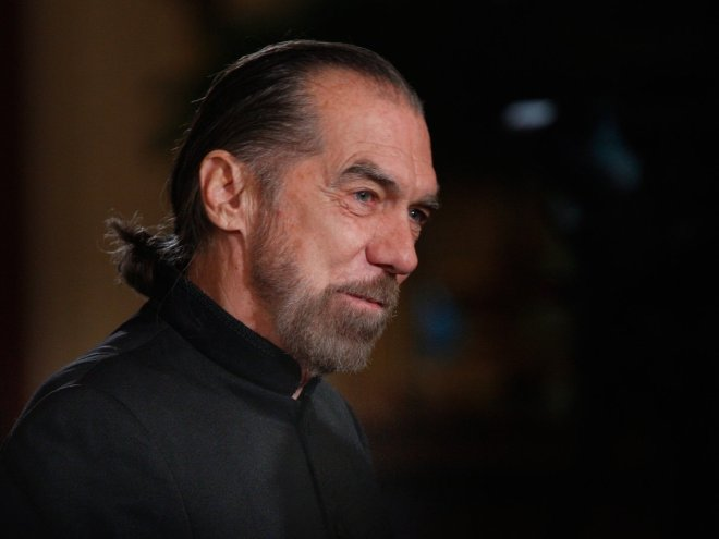 john-paul-dejoria-the-man-behind-a-hair-care-empire-and-patron-tequila-once-lived-in-a-foster-home-and-his-car