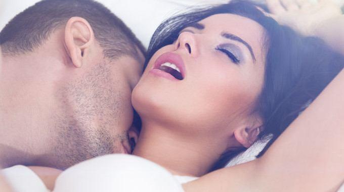မိန္းကေလးကို အသည္းခိုက္သြားေစမည့္ Foreplay နည္းလမ္းေကာင္းမ်ား