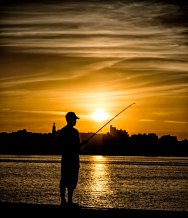 _E7A8028 Lone fisherman at sunset on Malecon web ready
