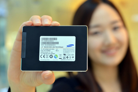 Samsung SM843T Solid State Drive Offers Nearly 1 terabyte of Memory Storage (Photo:Business Wire)