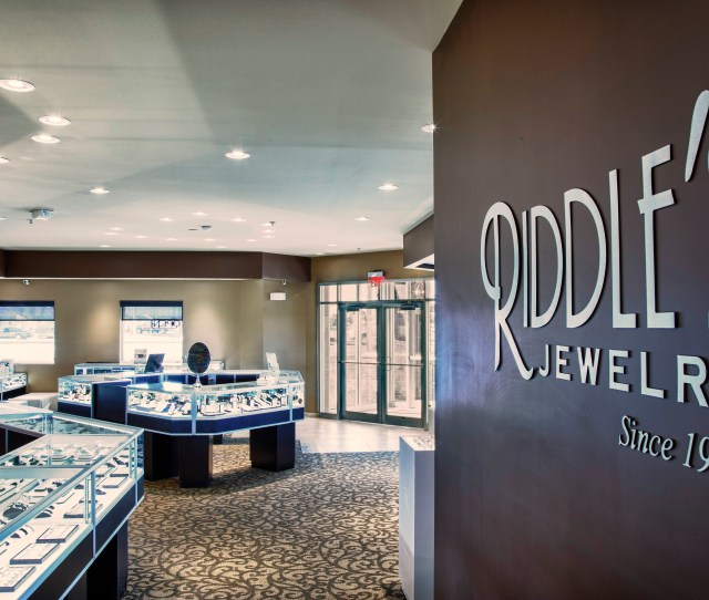Ges Led Replacement Lamps Make Diamonds And Savings Shine At Riddles Jewelry Stores Business Wire