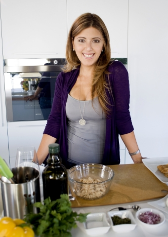 Celebrity Chef Doreen Colondres for Bumble Bee (Photo: Business Wire)