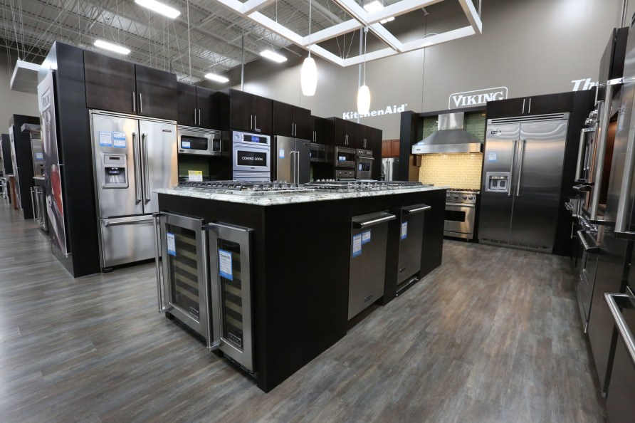 Best Buy Refreshes All Chicagoland Stores with Revamp and ...