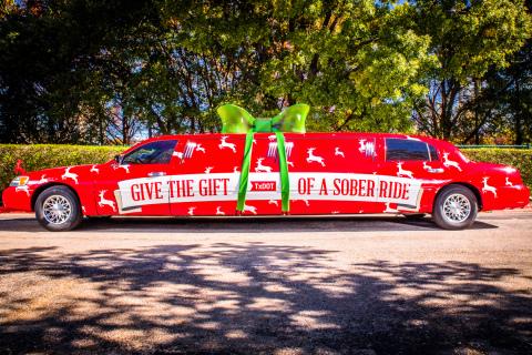 El Trineo del Transporte Sobrio del Departamento de Transporte de Texas es una limusina estirada de...