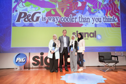 The 2018 Global CEO Challenge winners, Linah Hussain, Malak Mously and Rawan Baik, met P&G CEO David ...