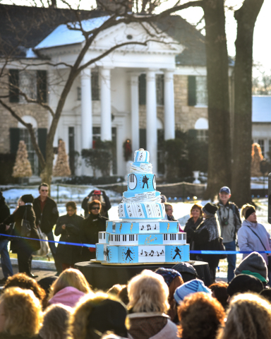 Hundreds of fans gathered at Graceland for Elvis' birthday. (Photo: Business Wire)