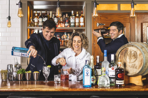 Bacardi employees go Back to the Bar to spark conversations about cocktails and culture. (Photo: Business Wire)