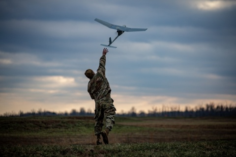 U.S. Army Soldier hand-launches Raven tactical unmanned aircraft system during a platoon live fire exercise at Fort Campbell, KY. U.S. Army Photo by Capt. Justin Wright (Photo: Business Wire)
