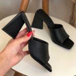 Tamanco Feminino Preto de Salto Triângulo Coleção Primavera Verão Moda e Tendência em Calçados Femininos Loja Online MM Store Shoes (23)