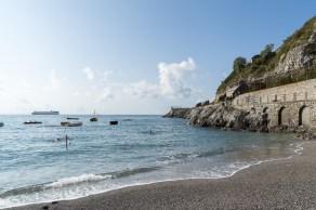 Strand in Erchie, Italien