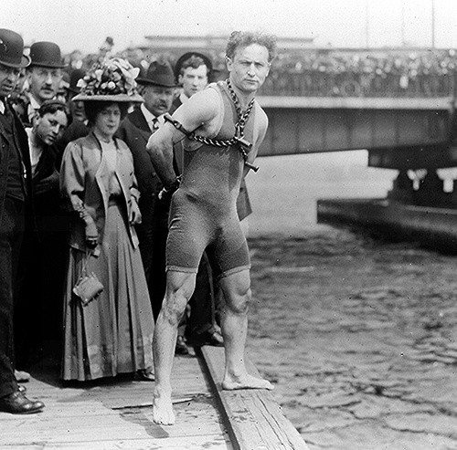 Harry Houdini - Melbourne AUS 2-18-1910