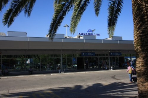 Avio Karte Beograd Tivat.Aerodromi Crne Gore Letovi Beograd Tivat I Tivat Beograd