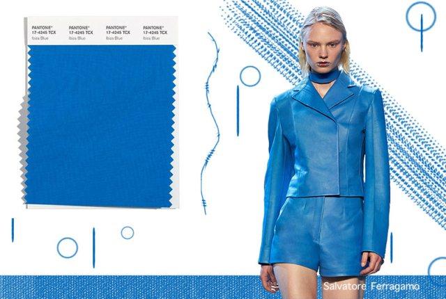 Ibiza Blue: модный цвет сезона осень-зима 2021