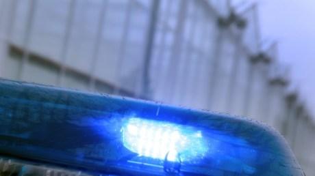 politie-zwaailicht-bij-een-kas