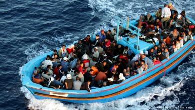 مهاجرون سريون افارقة يلقون برضيعتين في عرض البحر 6