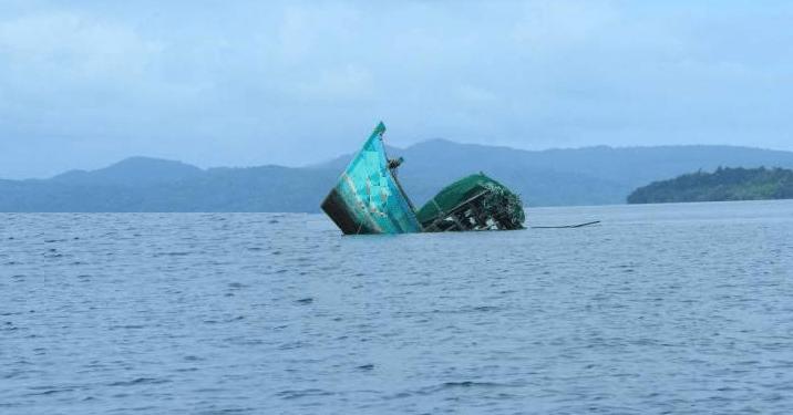 غرق مركب للصيد التقليدي بطنجة والبحارة في عداد المفقودين 1