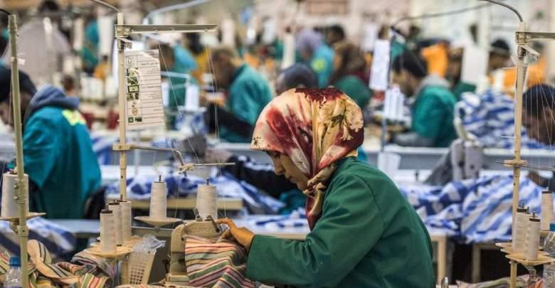 مصانع النسيج بطنجة تستأنف عملها بعد عيد الفطر 1