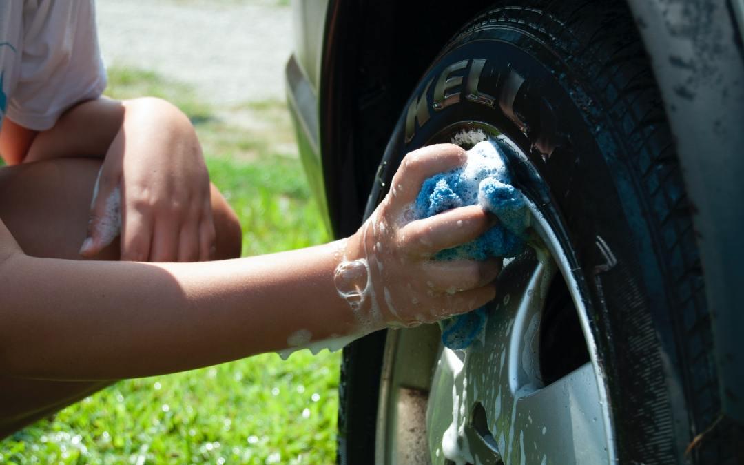 Manfaat rajin mencuci mobil