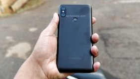 Moto-One-The-First-Ever-Motorola-Phone-With-Display-Notch-Real-Photos-Of-Moto-One-Leaked-techinfoBiT-2