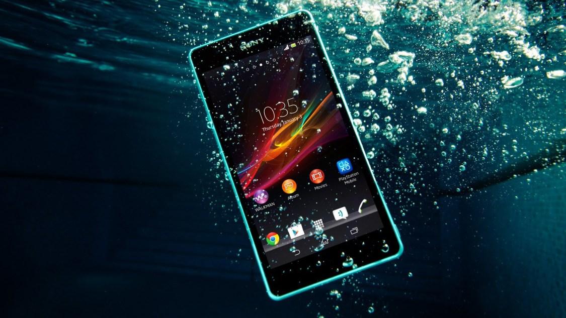 MrMobile snackar om hur vattentåliga IP-klassade mobiler är