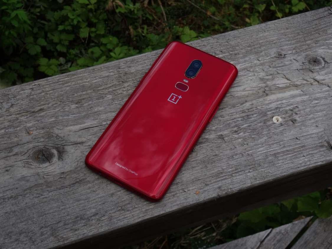 Tävla om en OnePlus 6 RED