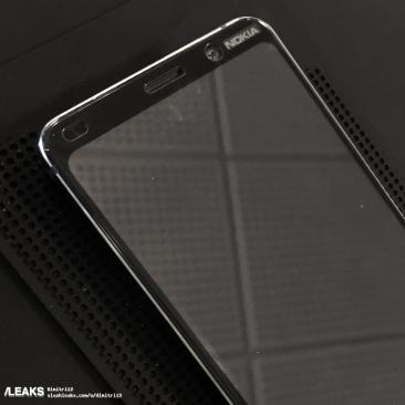 nokia-9-live-pictures-shows-the-top-front-of-the-device-70