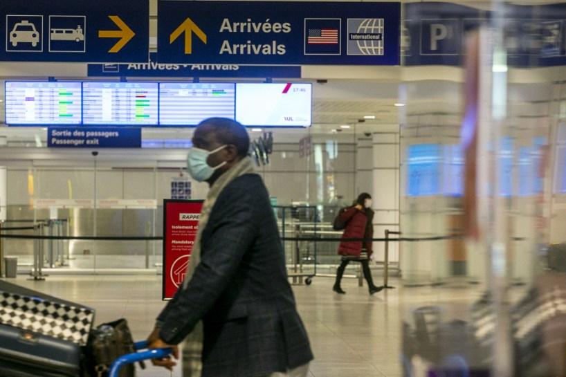 Ottawa veut un passeport vaccinal de voyage