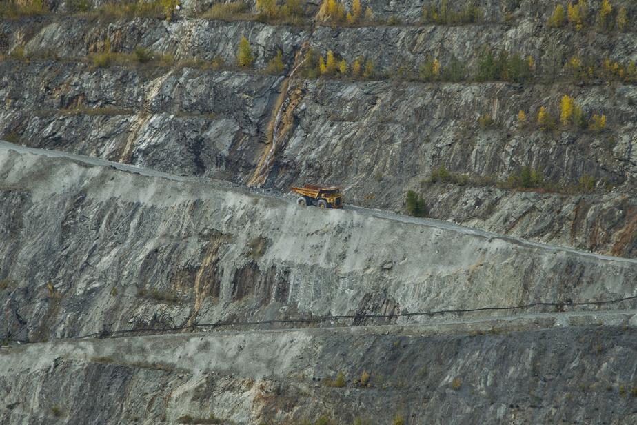 Amiante: Québec doit abaisser la norme d'exposition des travailleurs, conclut le BAPE