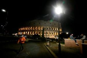 COVID-19 | Un quart des Italiens croient aux théories complotistes